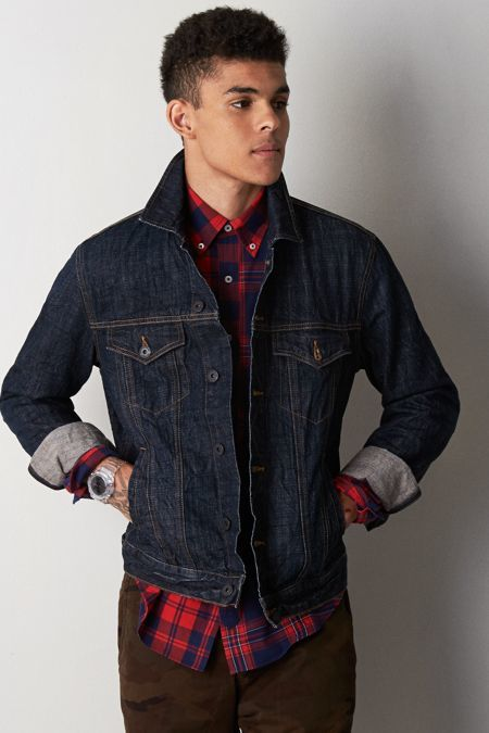 Cotton denim in a uniquely rich and textured deep blue indigo color, we think this denim jacket is a surefire option to layer up with slim grey denim and a white pocket tee — it's really that simple when you start with a stylish piece of outerwear.