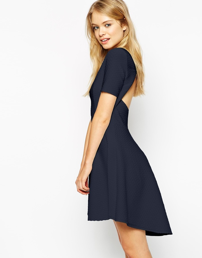 Robe cocktail bleu marine asos