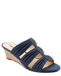 Trotters Mia Wedge Sandal