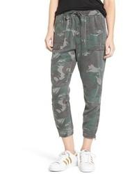 Camo jogger pants medium 1249466