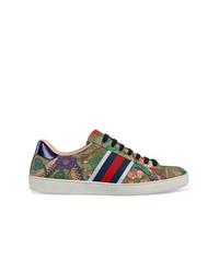 e40e3fb46ed8c Men s Canvas Low Top Sneakers by Gucci