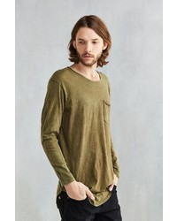 Feathers Mineralized Curved Hem Long Sleeve Tee