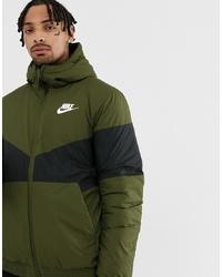 Nike Windbreaker In Green 928861 355