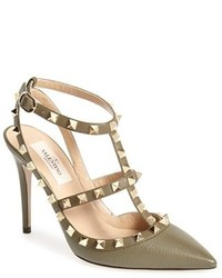 Rockstud t strap pointy toe pump medium 208454