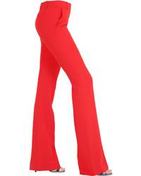 Pantalón de campana rojo de Alexander McQueen