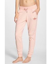 Pantalón de chándal rosado de adidas