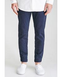 Pantalón de vestir a lunares en azul marino y blanco