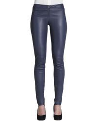 Pantalon slim en cuir bleu marine Alice + Olivia