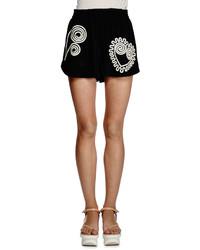 Pantalones cortos bordados negros de Stella McCartney