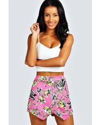 Pantalones cortos con print de flores rosa