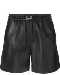 Pantalones cortos de cuero negros de Victoria Beckham