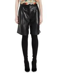 Pantalones cortos de cuero plisados negros de Givenchy