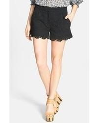 Pantalones cortos de encaje negros de Diane von Furstenberg