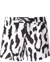 Pantalones cortos de leopardo en blanco y negro