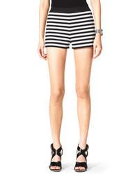 Pantalones cortos de rayas horizontales en blanco y negro de MICHAEL Michael Kors