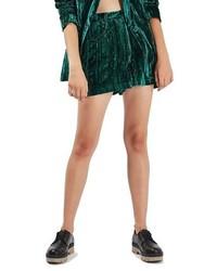 Pantalones cortos de terciopelo verde oscuro de Topshop