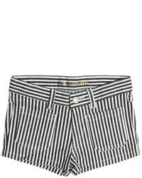 Pantalones cortos en blanco y negro