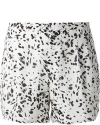 Pantalones cortos estampados en blanco y negro de Haute Hippie