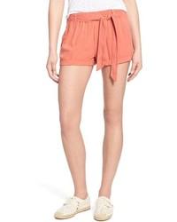 Pantalones cortos rojos de Hinge