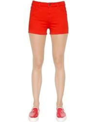 Pantalones cortos rojos de Love Moschino
