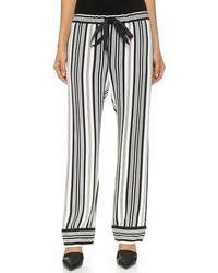 Pantalones de pijama de rayas verticales en blanco y negro de L'Agence