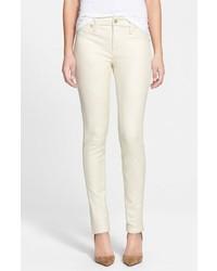 Pantalones pitillo de cuero blancos