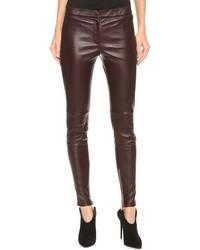 Pantalones pitillo de cuero burdeos de Giambattista Valli