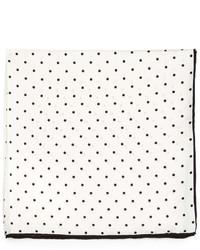Pañuelo de bolsillo a lunares blanco de Neiman Marcus