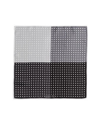 Pañuelo de bolsillo a lunares en negro y blanco de J.Z. Richards