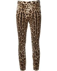Parte de abajo de leopardo marrón