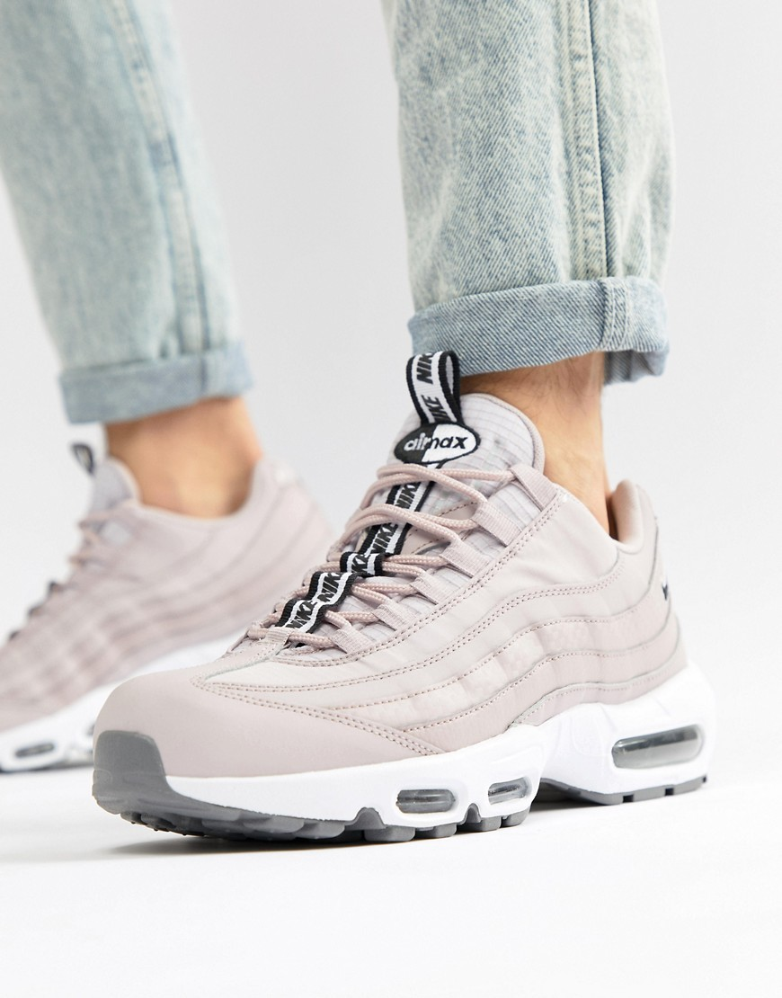 Air Max 95 Se Trainers In Pink Aq4129 600