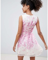 2a0b344889a ... Qed London Floral Skater Dress