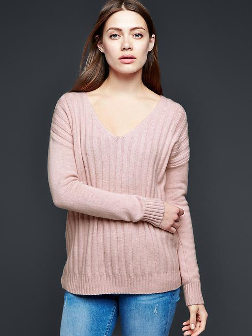 Gap Ribbed V Neck Pullover Sweater | Where to buy & how to wear