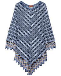 Poncho de crochet de punto celeste de Missoni