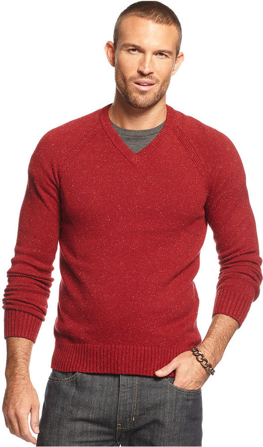 View all mens clothing Wrap up in the colder weather with our choice of men's knitwear that will see you layering up in style. Complete your wardrobe with a choice of jumpers, sweaters, fleeces and cardigans from top brands featuring a range of designs so that you can find the right choice for you.