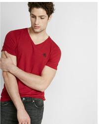 af2d5d2b Men's Red V-neck T-shirts by Express   Men's Fashion   Lookastic.com