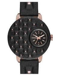 Reloj de cuero con tachuelas en negro y dorado de Diesel