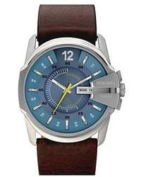 Reloj de cuero en marrón oscuro