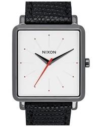 Reloj de cuero negro de Nixon