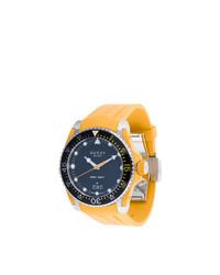 Reloj de goma amarillo de Gucci