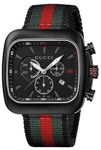 d8b3c57f876f Reloj de Nylon de Rayas Horizontales Verde y Rojo de Gucci  dónde ...