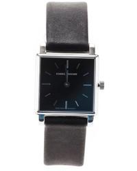 Reloj negro de Isabel Marant