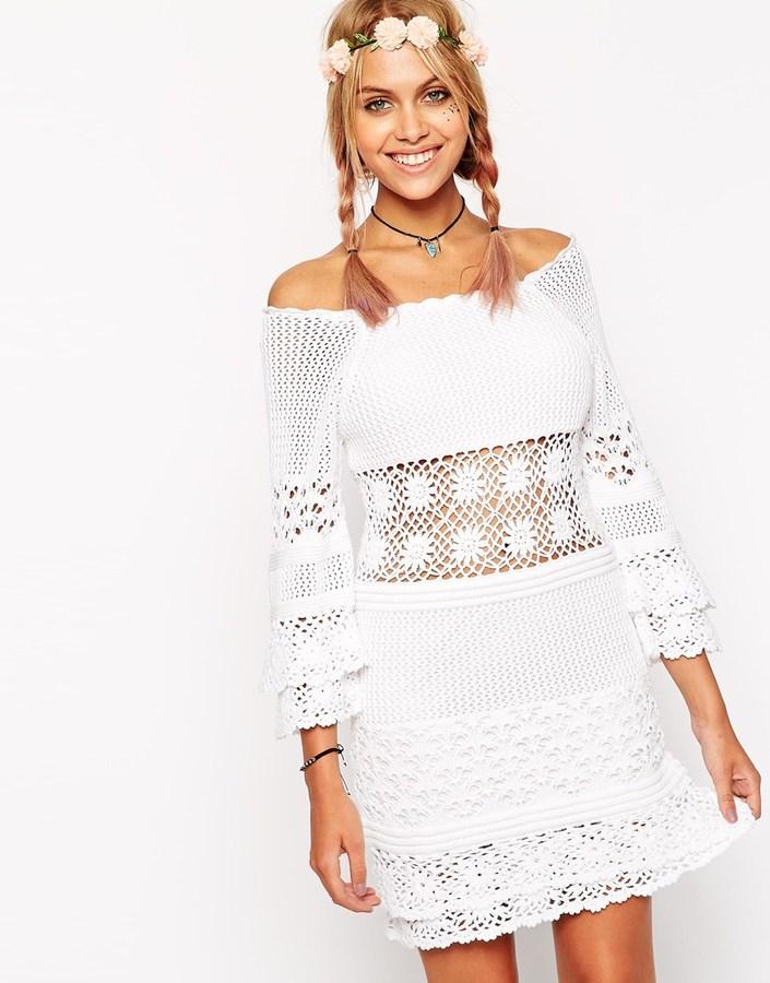 3c821f68a51a9 Robe décontractée en crochet blanche Asos  Où acheter et comment porter