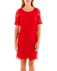 Robe rouge droite dentelle