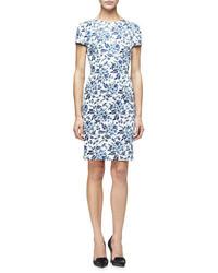 Robe fourreau à fleurs bleue claire Carolina Herrera