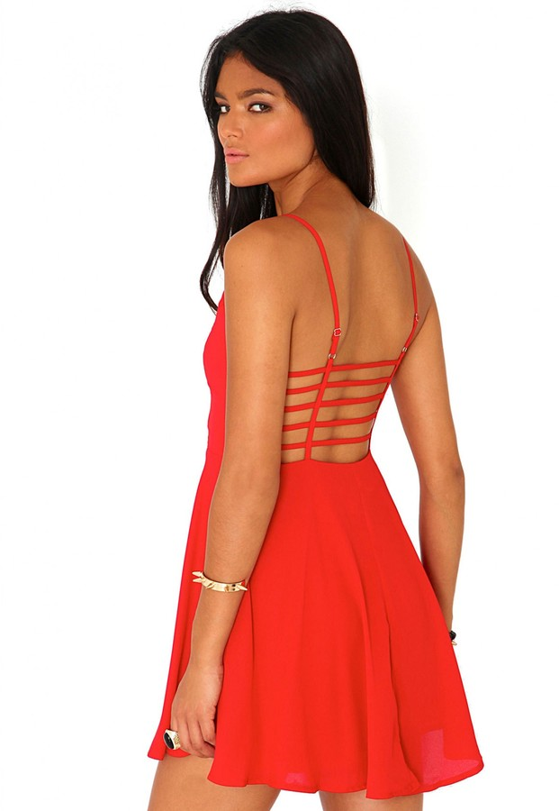 Robe rouge patineuse missguided
