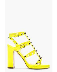 Sandales à talons en cuir jaunes Valentino