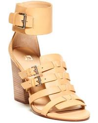 Sandales à talons en cuir marron clair