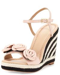 Sandales compensées en cuir à rayures horizontales roses Kate Spade