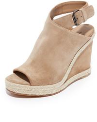 Sandales compensées en daim brunes claires Vince